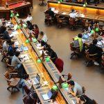 Kosten der Bildung: Wie können Sie Ihr Kind auf die schwindelerregenden Kosten des College vorbereiten?