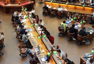 m 305x207 - Kosten der Bildung: Wie können Sie Ihr Kind auf die schwindelerregenden Kosten des College vorbereiten?
